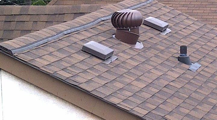 a brown roof